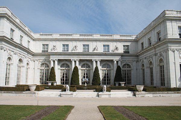 Horizon Beverage Offers Wine Expo at Rosecliff Mansion