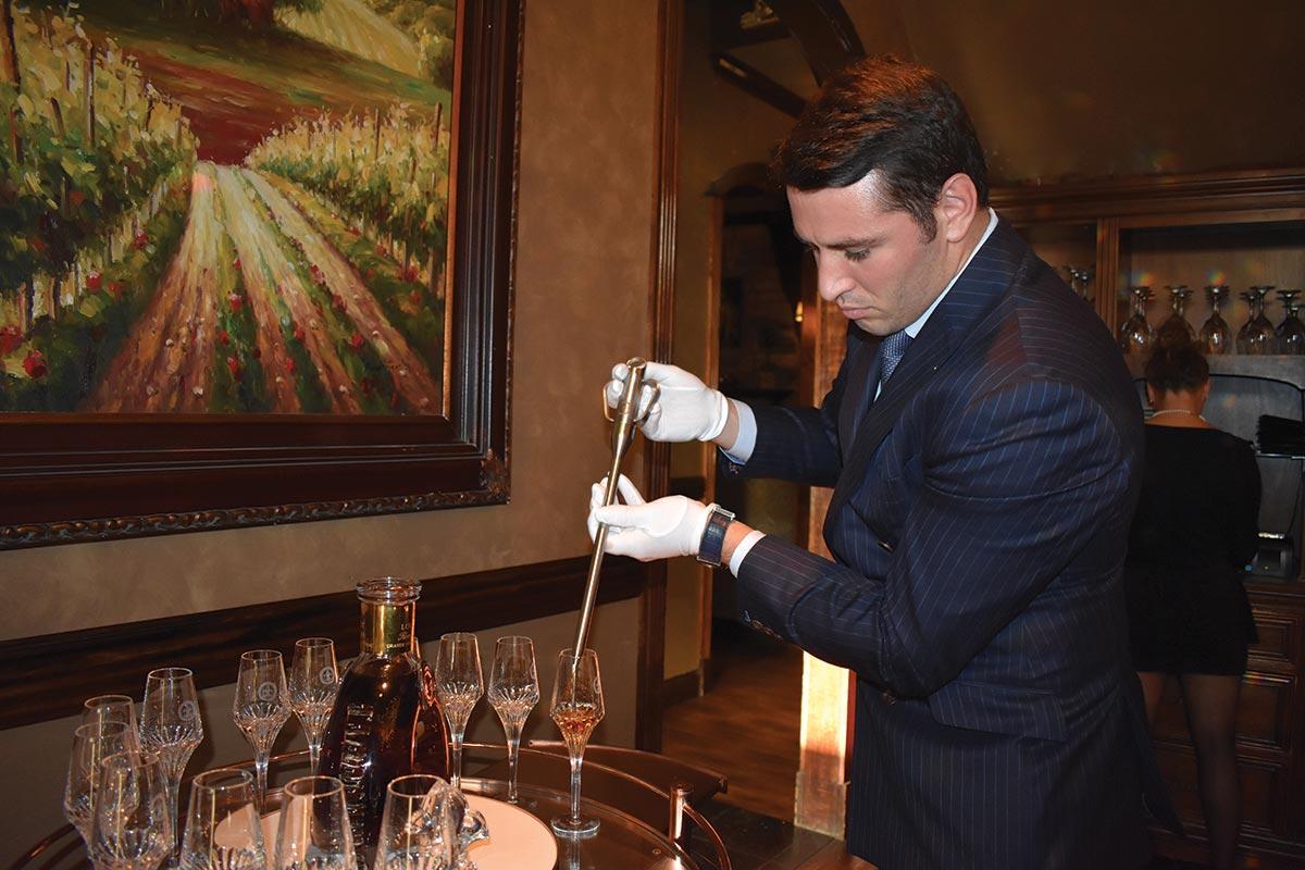 Brescome Barton Hosts Cognac Dinner at Cava