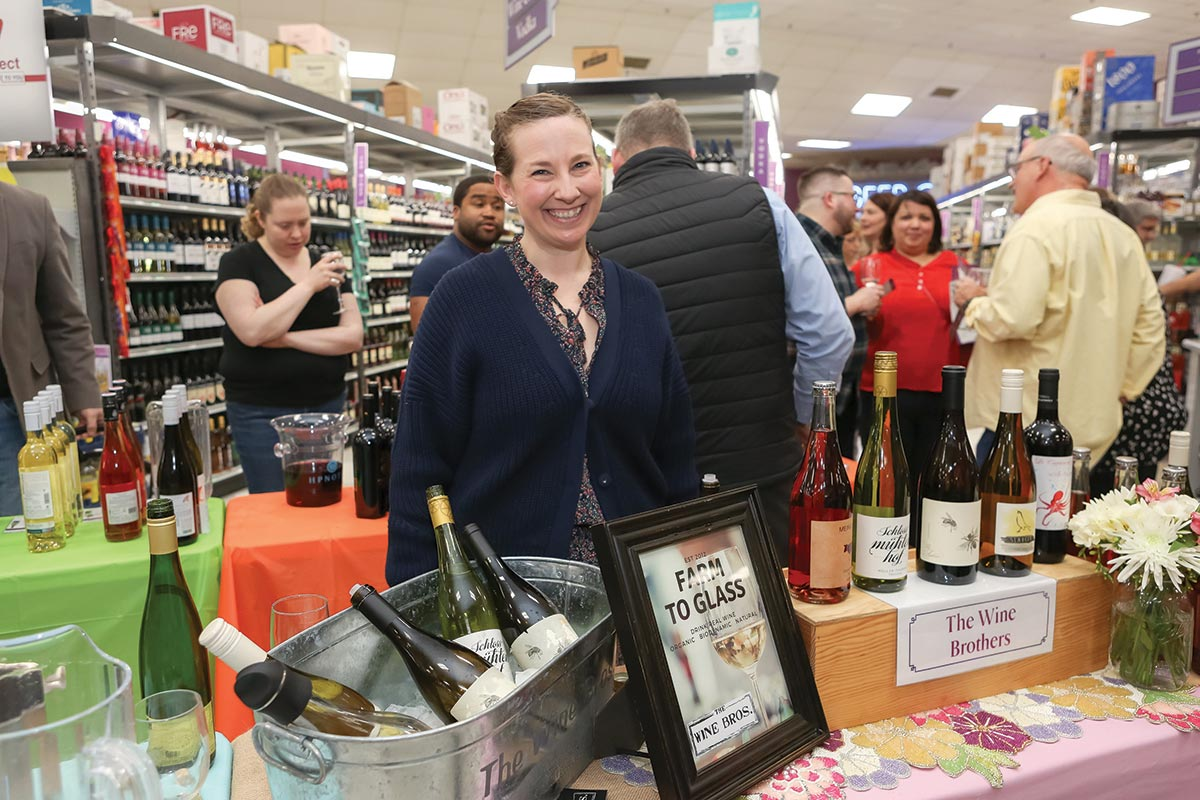 Retail Tastings Bring Together Wholesalers in March