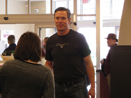 DREW BLEDSOE VISITS MAXIMUM BEVERAGE STORES