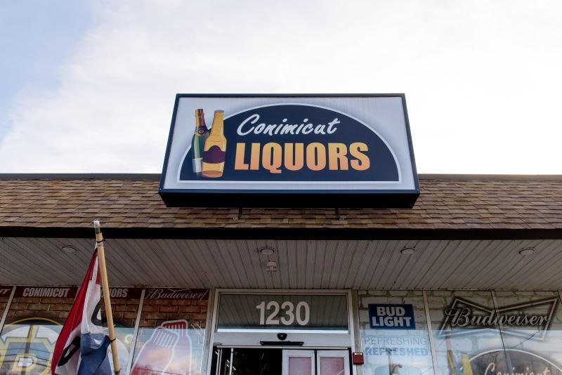 Retail Review: Conimicut Liquors