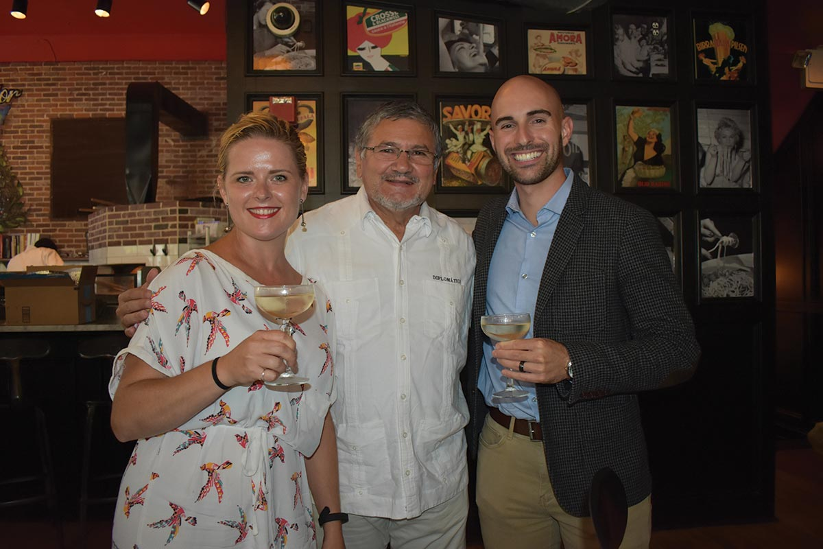 Worldwide Wines Hosts Diplomático Rum's Master Distiller