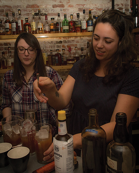 Evan Williams Bourbon Featured In Providence Cocktail Competition
