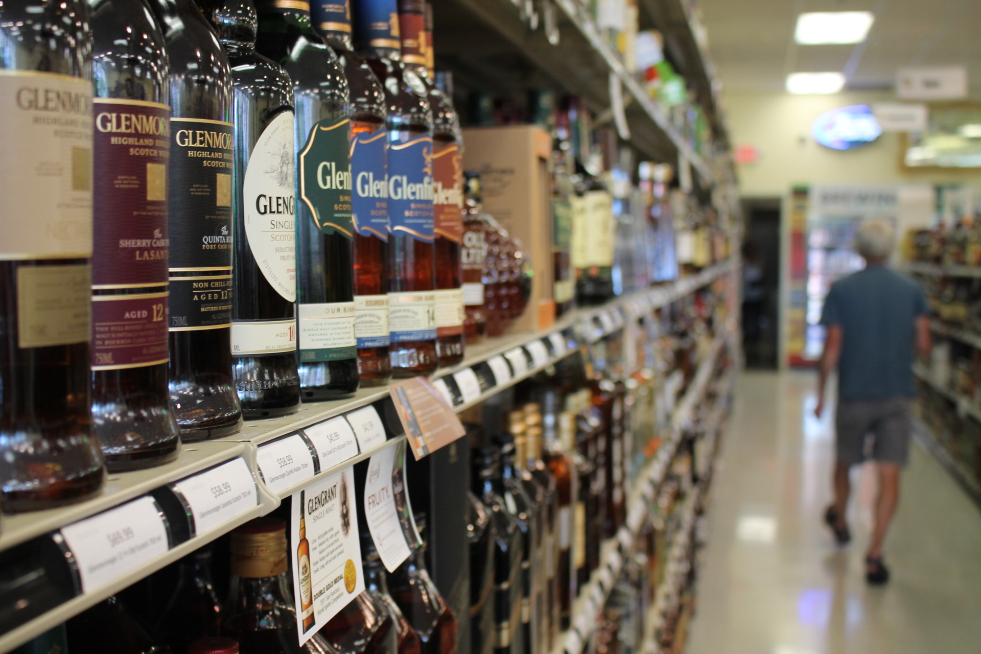 Judge Dismisses Lawsuit Challenging Connecticut Liquor Laws