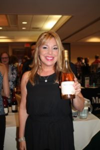 Donna Taylor, Vine Ventures pouring tastes by Meiomi Wines.