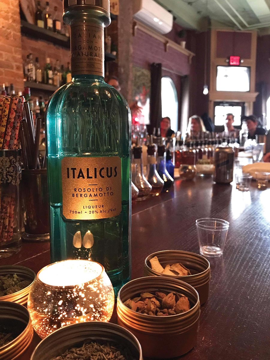 Italicus Brand Ambassador Educates USBG Hartford Chapter