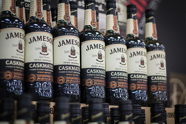 CDI Launches Jim Beam Apple, Jameson Caskmates