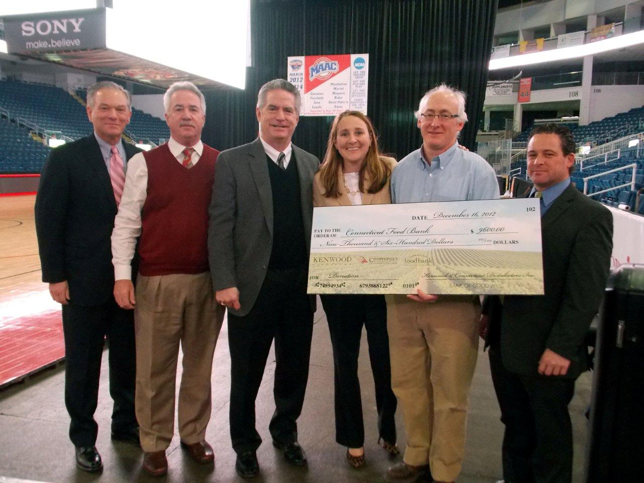CDI & Kenwood Vineyards Donates to Connecticut Food Bank