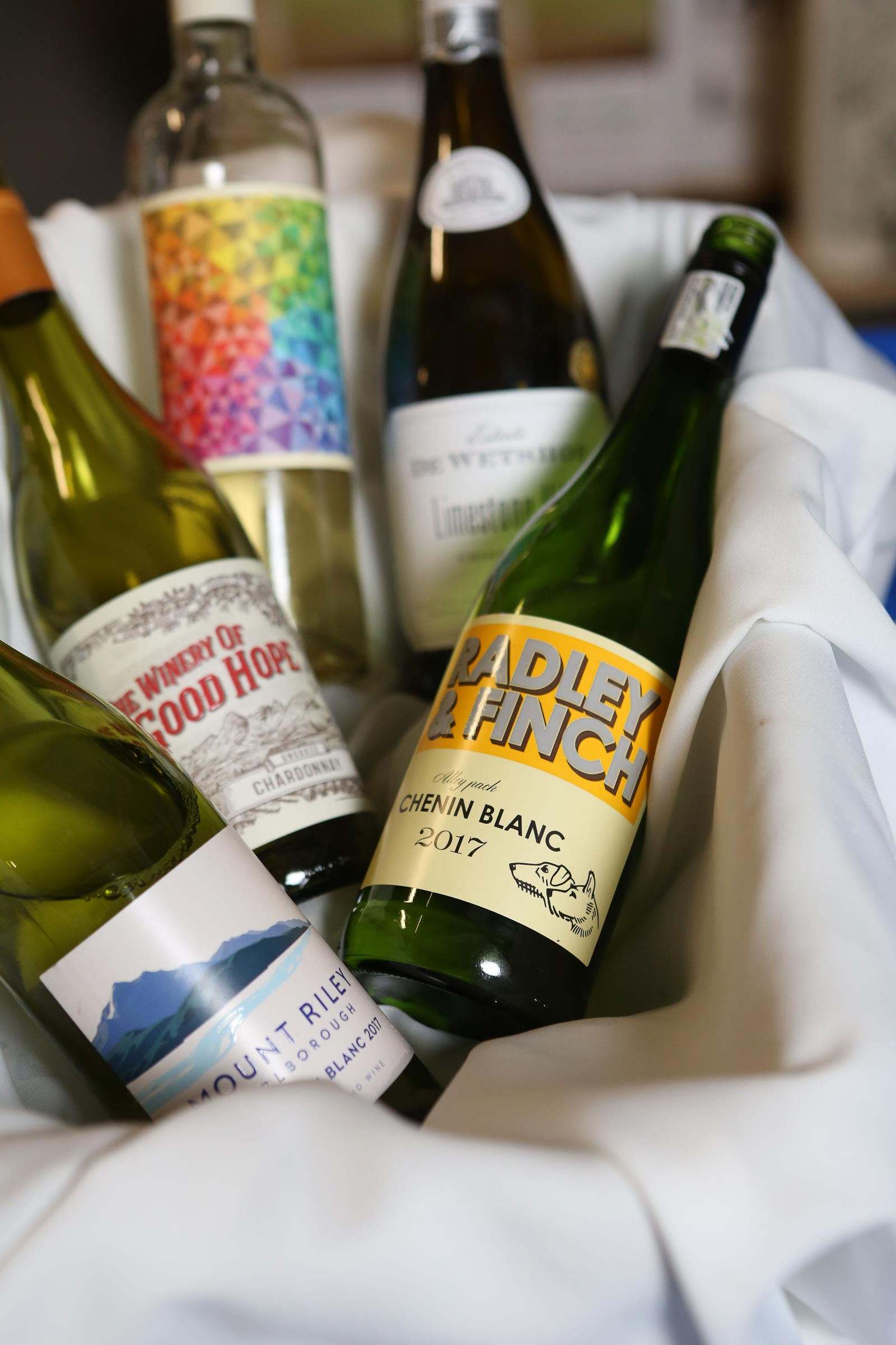 Wine Wizards Highlights New Selections at Spring Tasting
