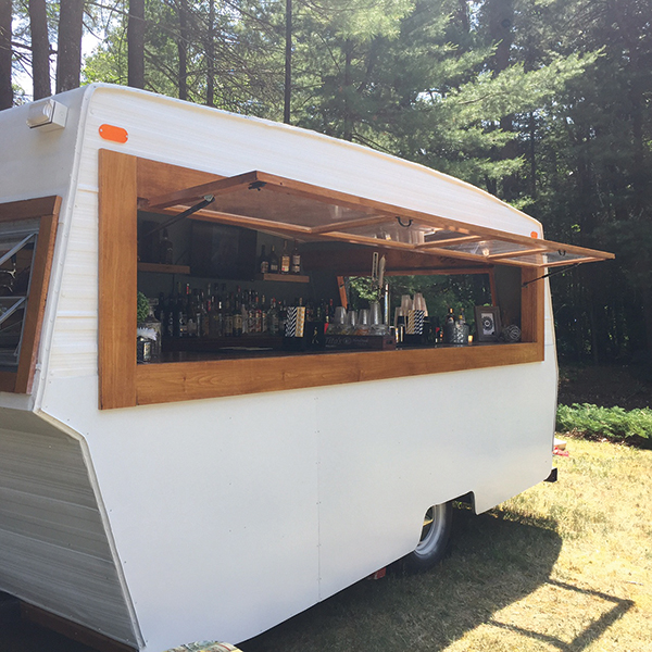Local Chatter: Connecticut's Mobile Pub Brings the Party to the People