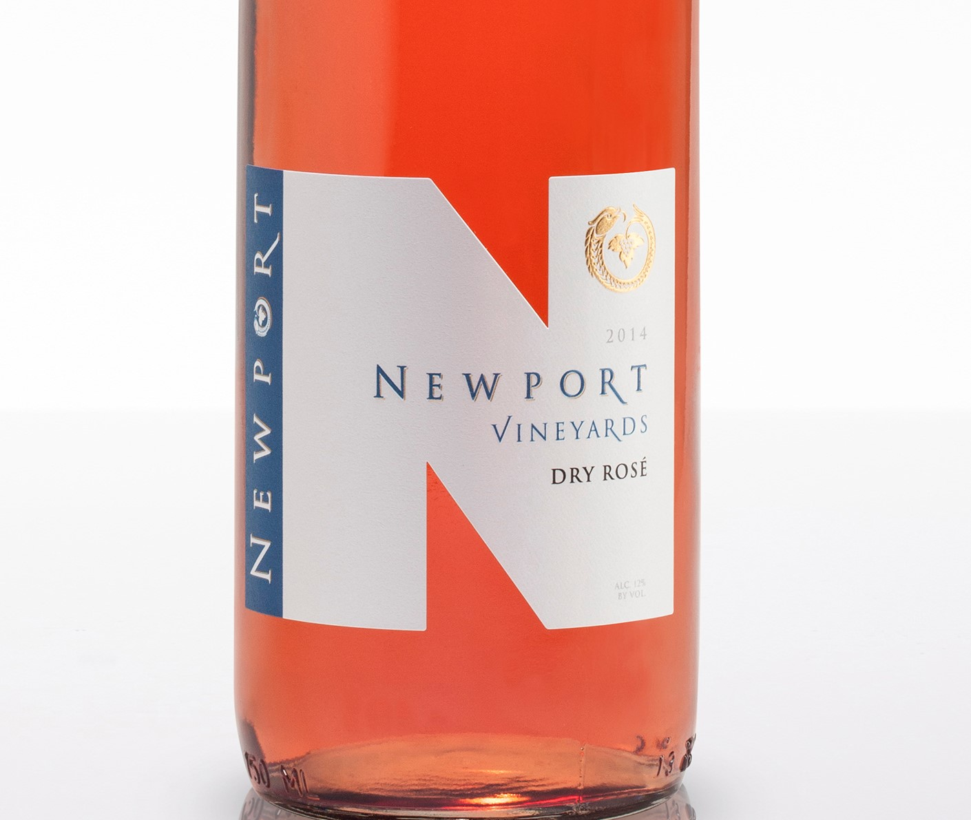 Newport Vineyards Wins Gold at Wine Competition