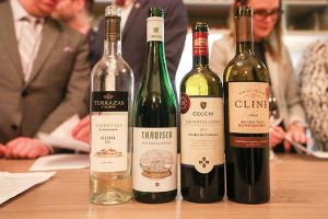 Sommelier Smackdown Entertains With Local Wine Experts The