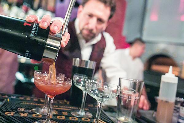 "Woodford Reserve Bourbon Picks CT ""Manhattan Experience"" Winner"