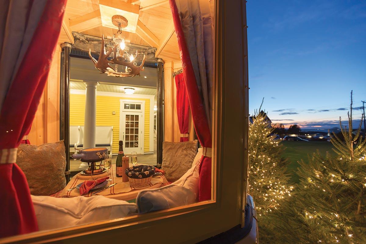 Ocean House Offers Veuve Clicquot Fondue Express Gondola
