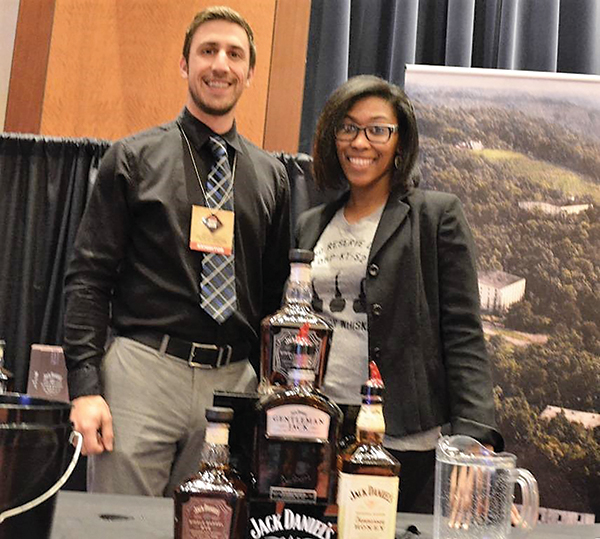 Mohegan Sun Whiskey Union Pours Tastes for Charity