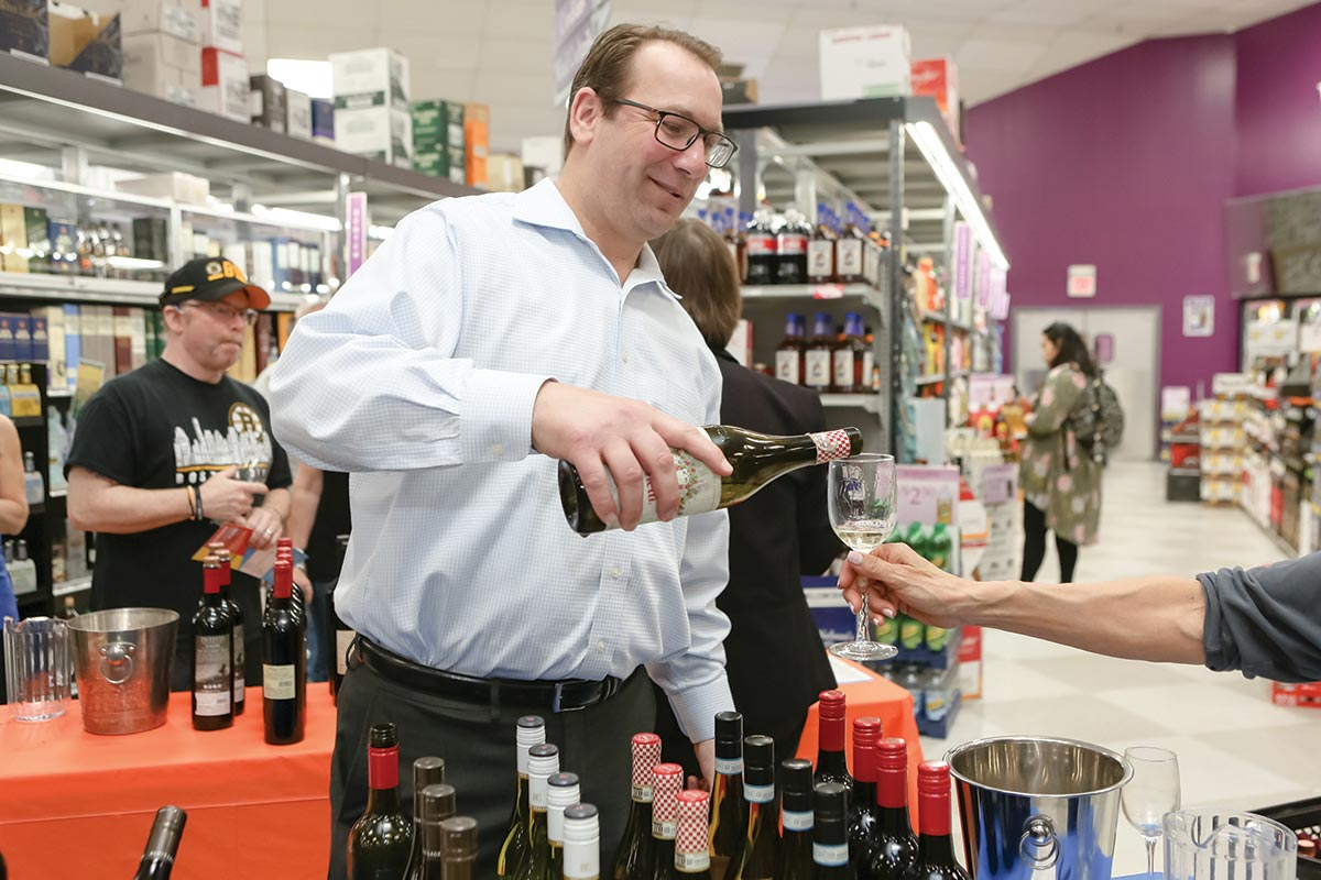 Wines & More Summer Grand Tasting Brings Together Wholesalers