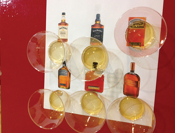 Yankee Discount Liquor Hosts Holiday Tastings