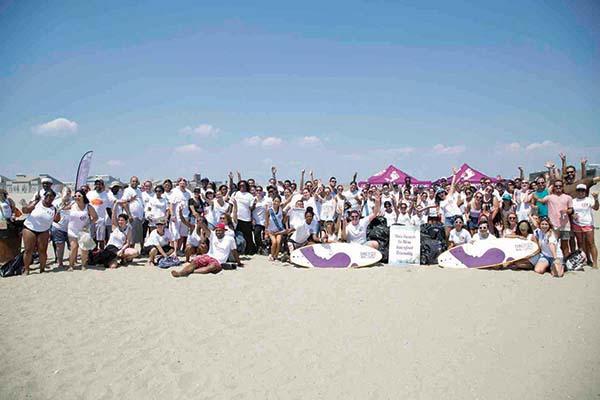 Barefoot Wine Celebrates World Beach Rescue Day