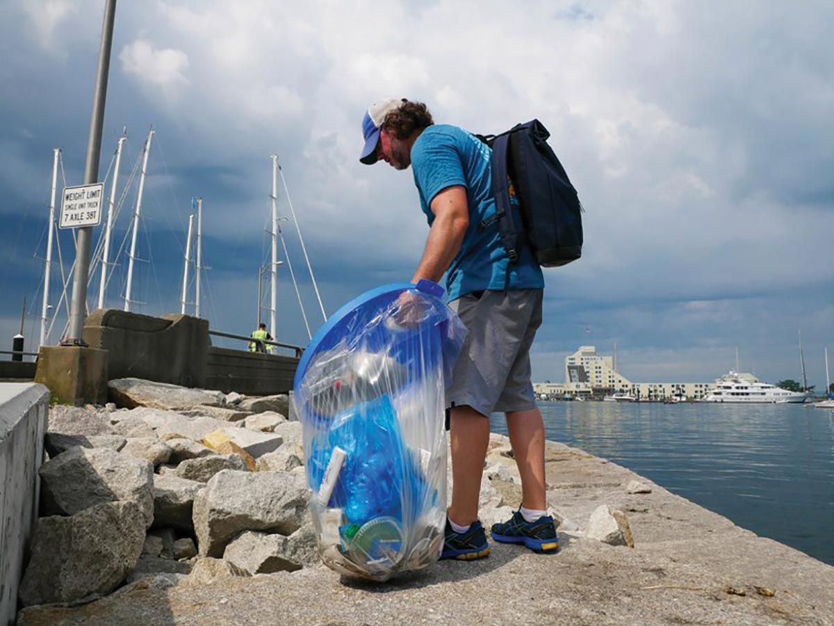 Newport Craft Hosts Community Cleanup Event